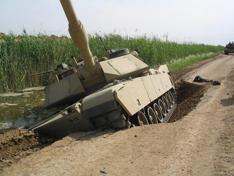 Tanks vs Mud